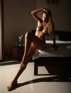 Beautiful LAdy With Stunning Naked Body